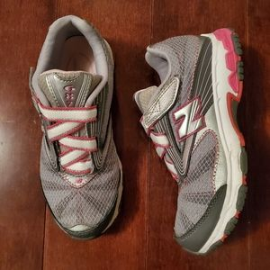 NEW Balance 687 Sneakers Girl's Size 4.5